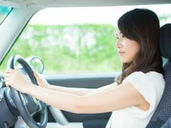 車のハンドル位置を調整する方法