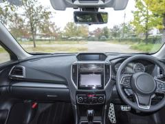 新車の臭いの原因と臭い消し対策