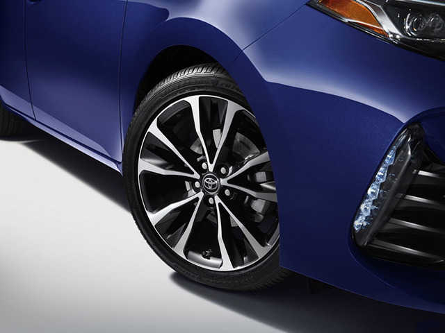 トヨタ、「カローラ」の2017年モデルをNYで発表