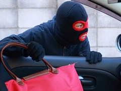オープンカーの防犯・セキュリティ対策はどうすればよいか