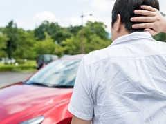 車の飛び石による傷を防ぐための対策とは