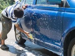 夏に車の洗車を行うコツと注意点とは