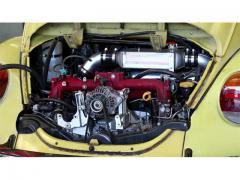 40年前のVW「ビートル」に「スバル」のエンジンを積んでモンスターマシンに