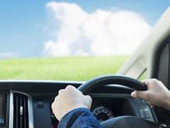 車の内窓の拭き方・清掃方法とは?