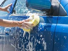 車の水垢を落とす洗車方法とコツ