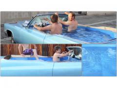 キャデラックのバスタブカーで、ドライブ入浴に挑戦!