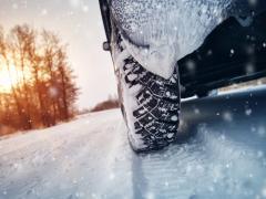 車の冬支度・冬対策で備えておきたいこととは?