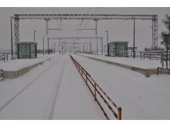 雪道にタイヤがハマった時の対処方法