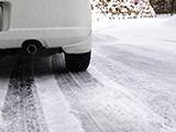 オールシーズンタイヤでどの程度の雪道まで走行できるのか
